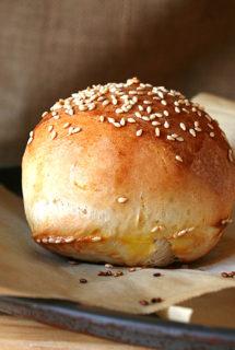 Hamburger Buns, My Favorite Way to Eat a Burger, and J&J Grassfed Beef