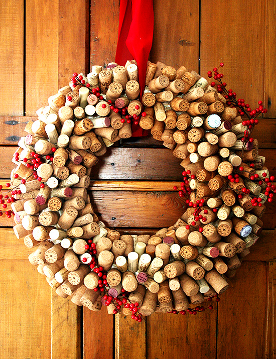 Need a gift for a wine enthusiast? Have you been saving corks for a fun holiday project? How about a cork wreath? This is a fun (and time-consuming) project to undertake while sipping a holiday punch and watching a favorite holiday movie. Be warned: you might want to keep it for yourself. // alexandracooks.com