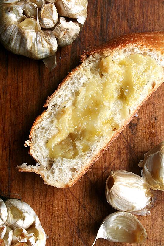 Whole Roasted Garlic Spread on Warm Bread