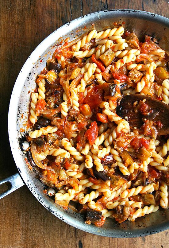 Caramelized onion pasta sauce recipe