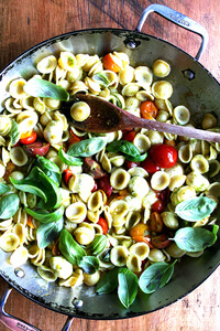 Orecchiette with cherry tomatoes, ciligene mozzarella and fresh basil