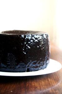 chocolate cake with chcolate glaze