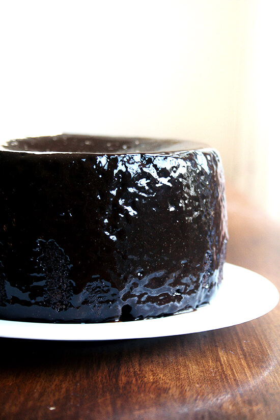 chocolate cake with chcolate glaze