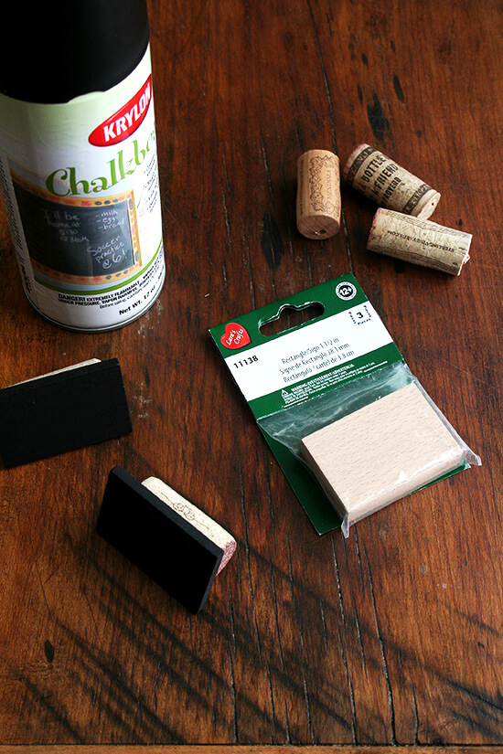 materials for chalkboard-cork table place cards