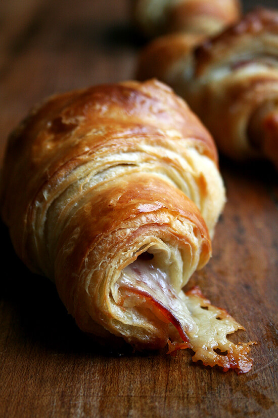 prosciutto & gruyère croissant