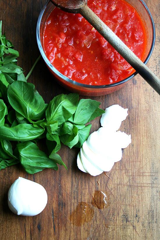 Margherita toppings