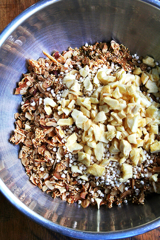 adding the puffed millet & apple
