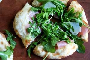 prosciutto, arugula and pecorino pizza