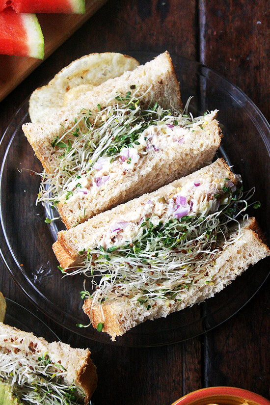 This sandwich bread can be made entirely with whole wheat flour, but I like using a mix of all-purpose and whole wheat flours, which produce a soft, light, and sturdy loaf, one that appeals, most importantly, to both toddlers and adults alike. // alexandracooks.com