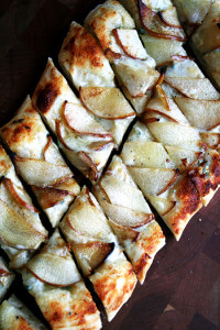 Alsation flatbread with pears and gorgonzola