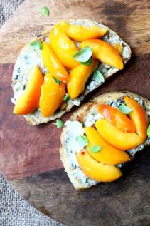 CSA Week 7,8,9: Corn, Eggplant, Tomatoes, Potatoes, Peaches