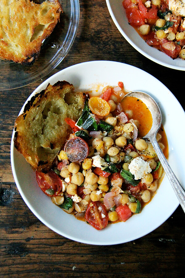 Stewy chickpeas with feta