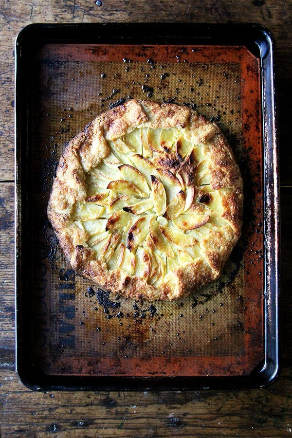 apple-frangipane galette